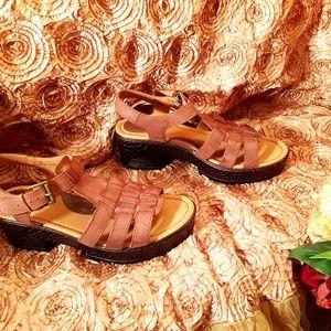 b.o.c brown leather rock sandal size 10